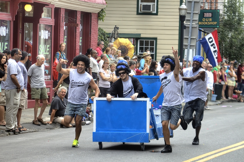 Saugerties-Old-Timers-Day-Bed-Race