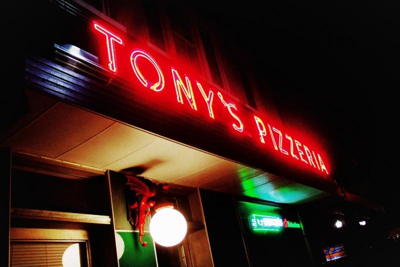 TONYS-PIZZERIA