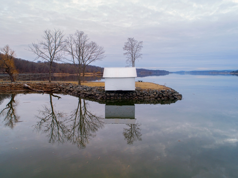 Hut on the Hudson