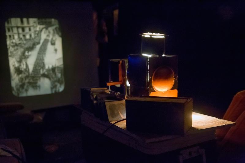 Magic-Lantern-Show